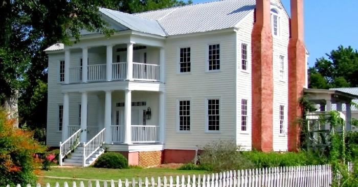 10 oldest surviving plantation homes in alabama on