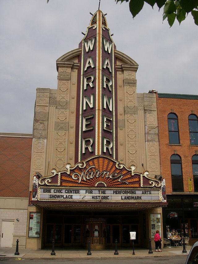 Warner_Theatre_Erie_Front_2007