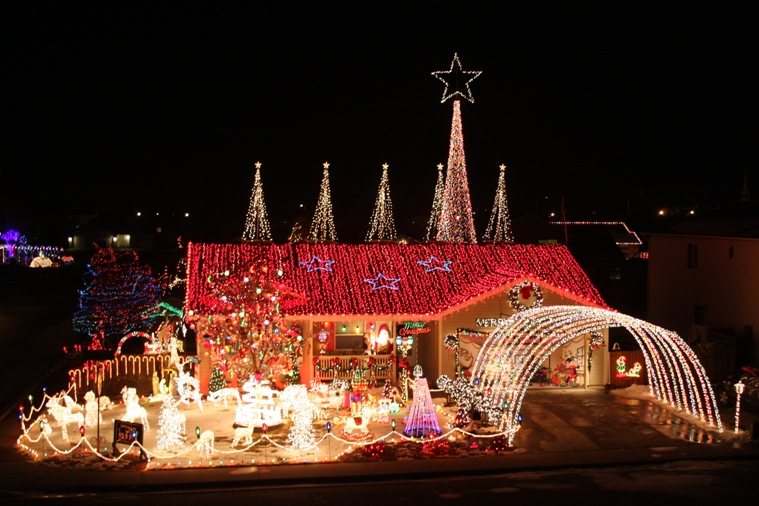 12 Houses In Colorado With Unbelievable Christmas Decor
