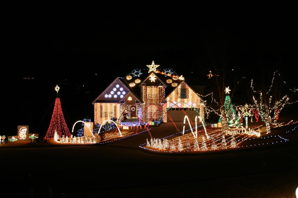 Christmas Lights In Georgia.8 Houses In Georgia With Incredible Christmas Decorations