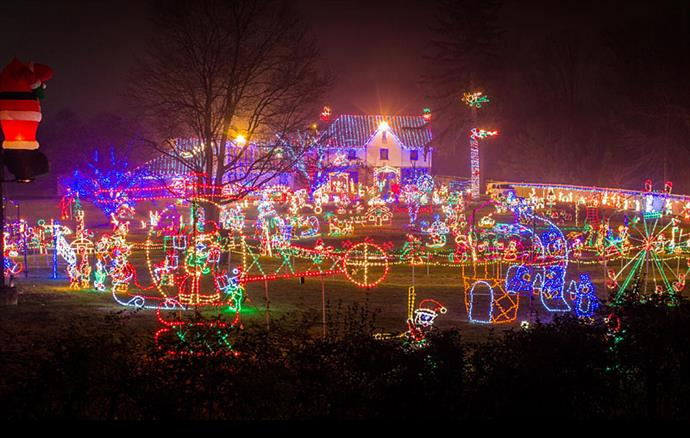 Christmas Lights In Pa.9 Pennsylvania Houses With Amazing Christmas Decorations