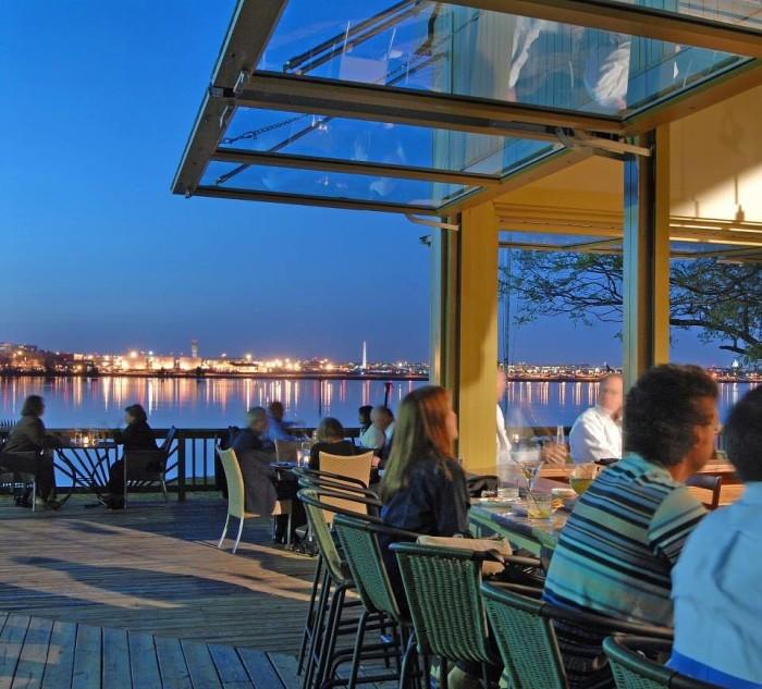11 Incredible Waterfront Restaurants In Virginia
