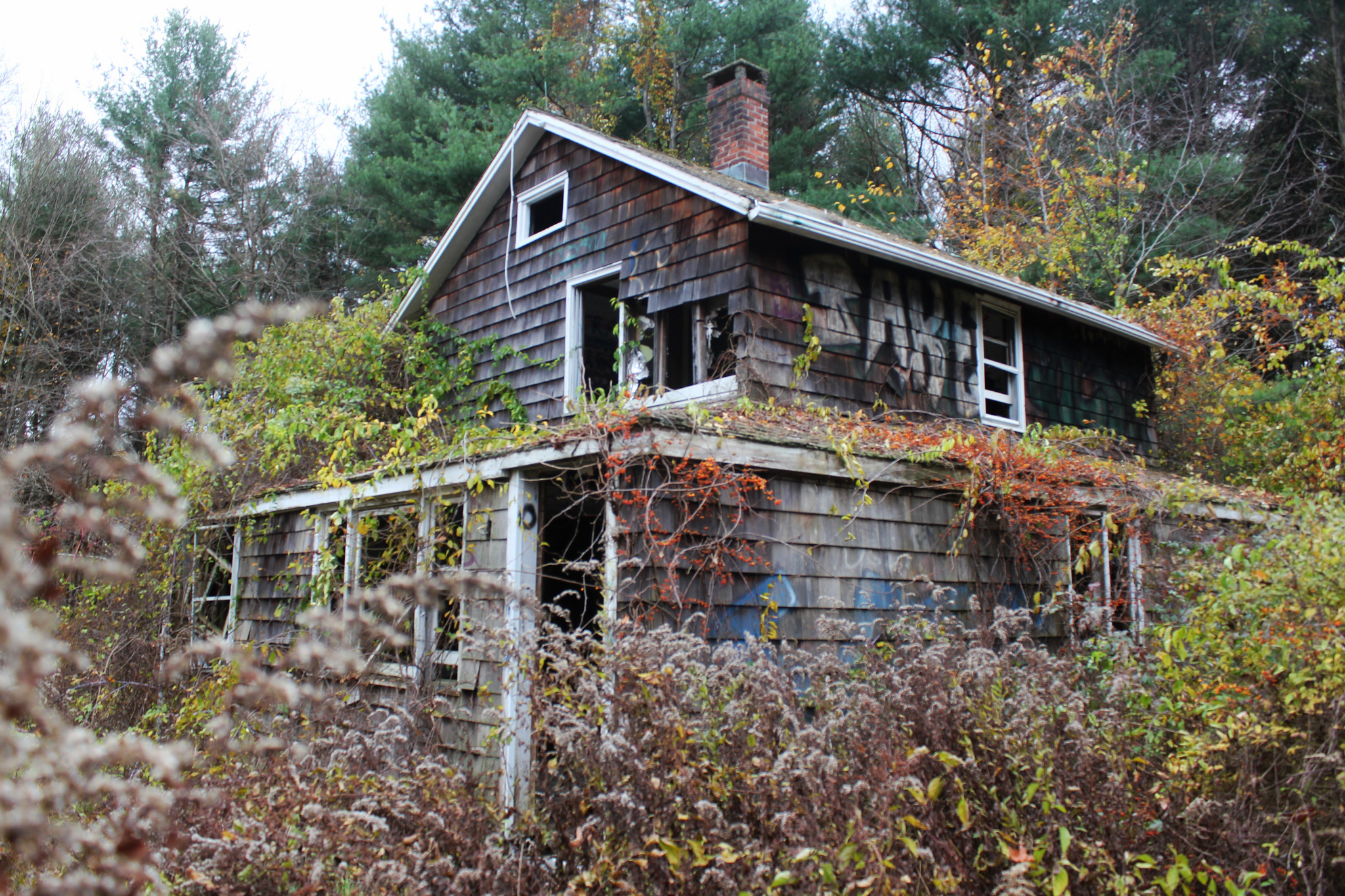 9 Abandoned Places In Connecticut That Are Hauntingly Empty