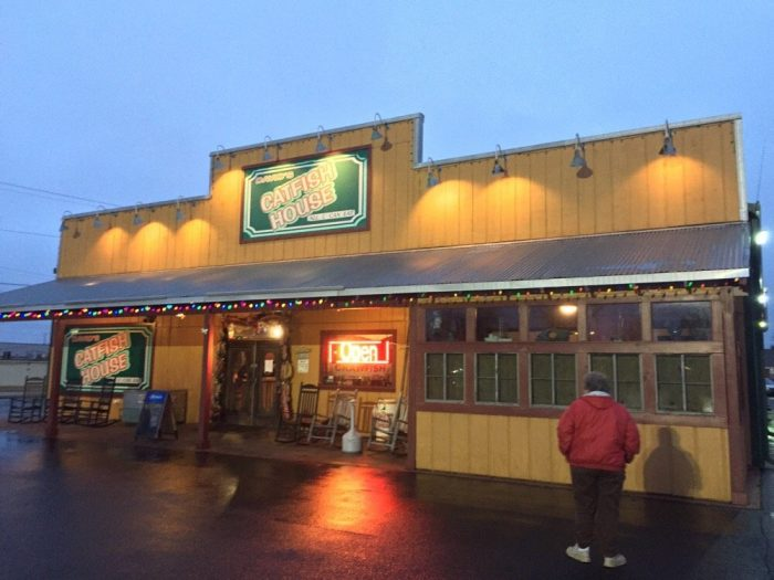 10 Amazing Small Town Alabama Restaurants