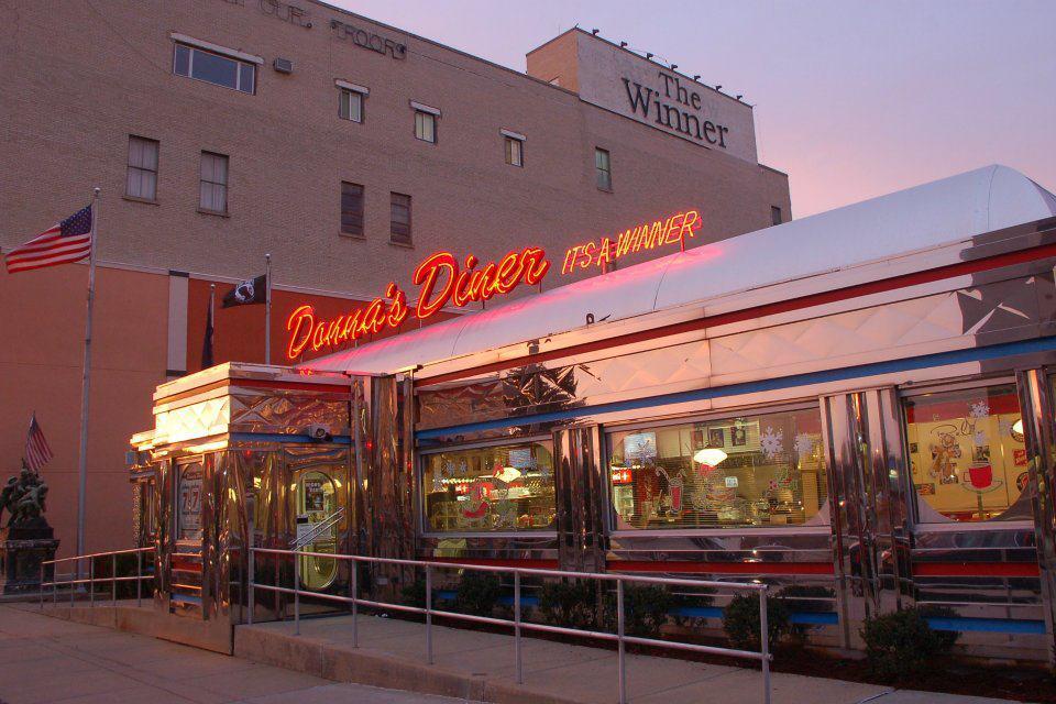 Donna S Diner In Pennsylvania Is A Fun Retro Restaurant