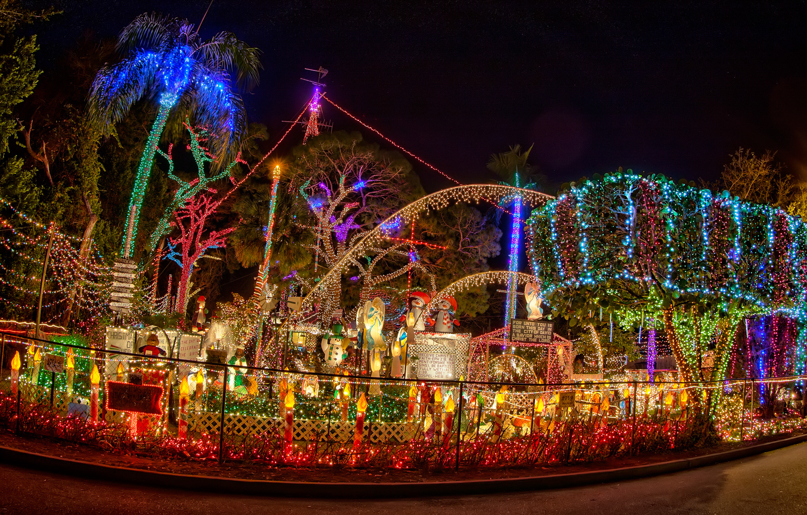 Stephen Foster Christmas Lights 2020 Visit The 12 Best Christmas Lights Displays In Florida For A