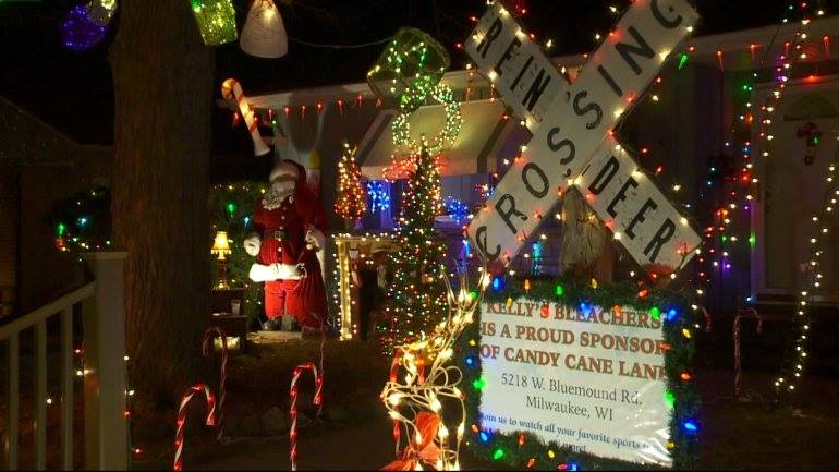 Christmas Lights Milwaukee.Candy Cane Lane Is Milwaukee S Most Enchanting Christmas