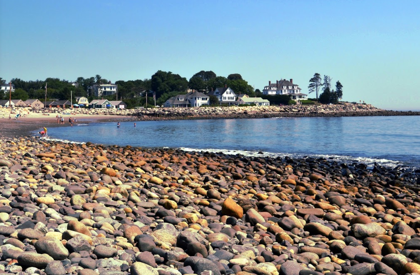 These 4 New Hampshire Beaches Have The Best Sea Glass