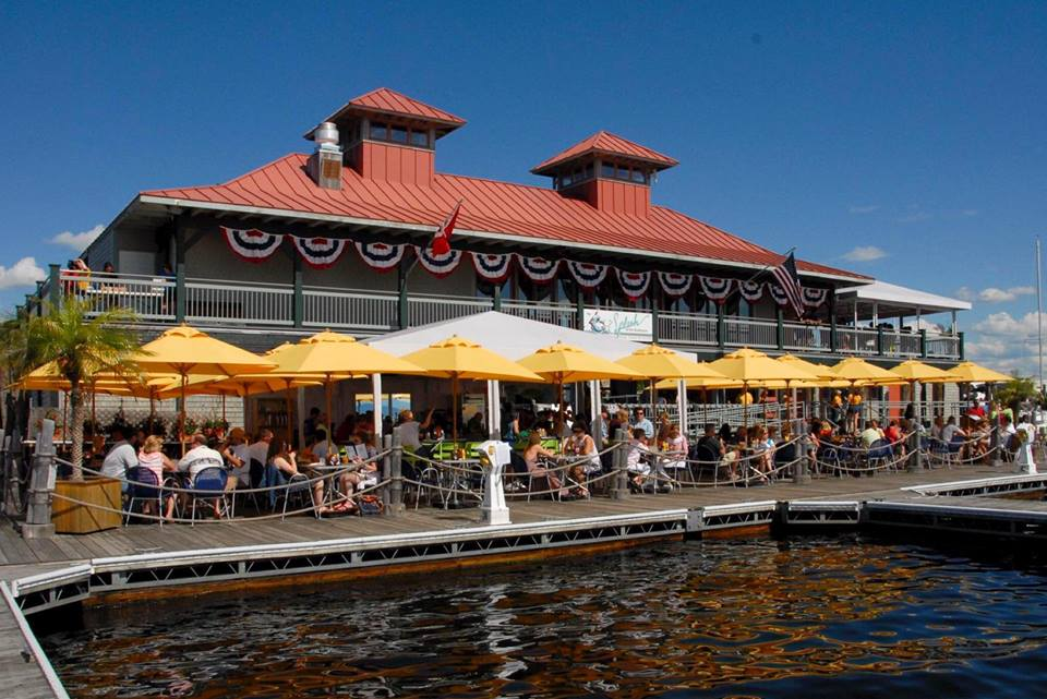 9 Vermont Lakeside Restaurants You Simply Must Visit Only