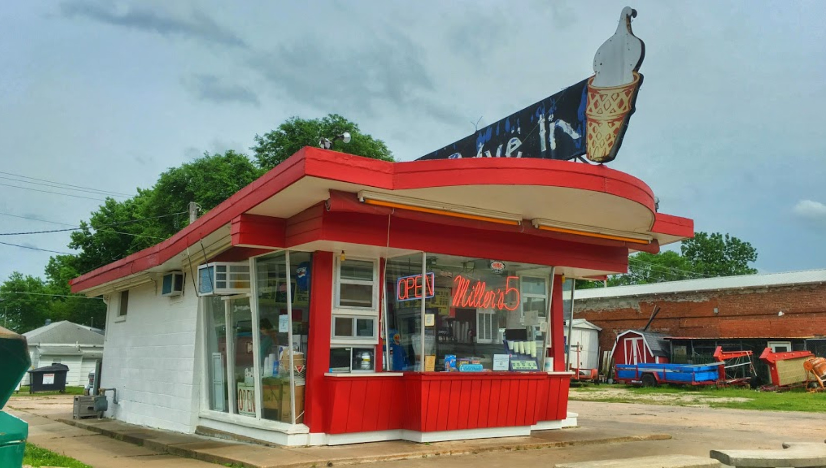 10 Kansas Drive In Restaurants Worth Stopping At Only In