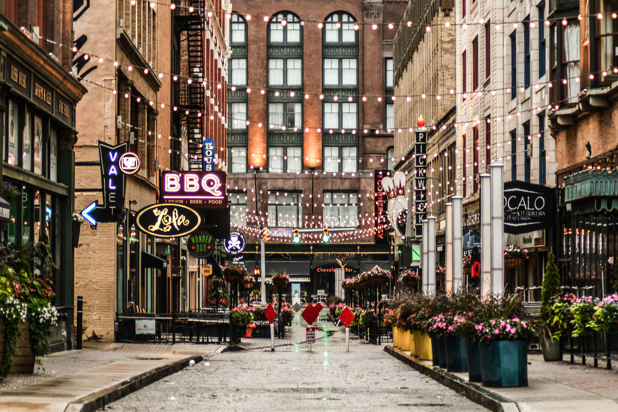 The 10 Best Romantic Restaurants In Cleveland