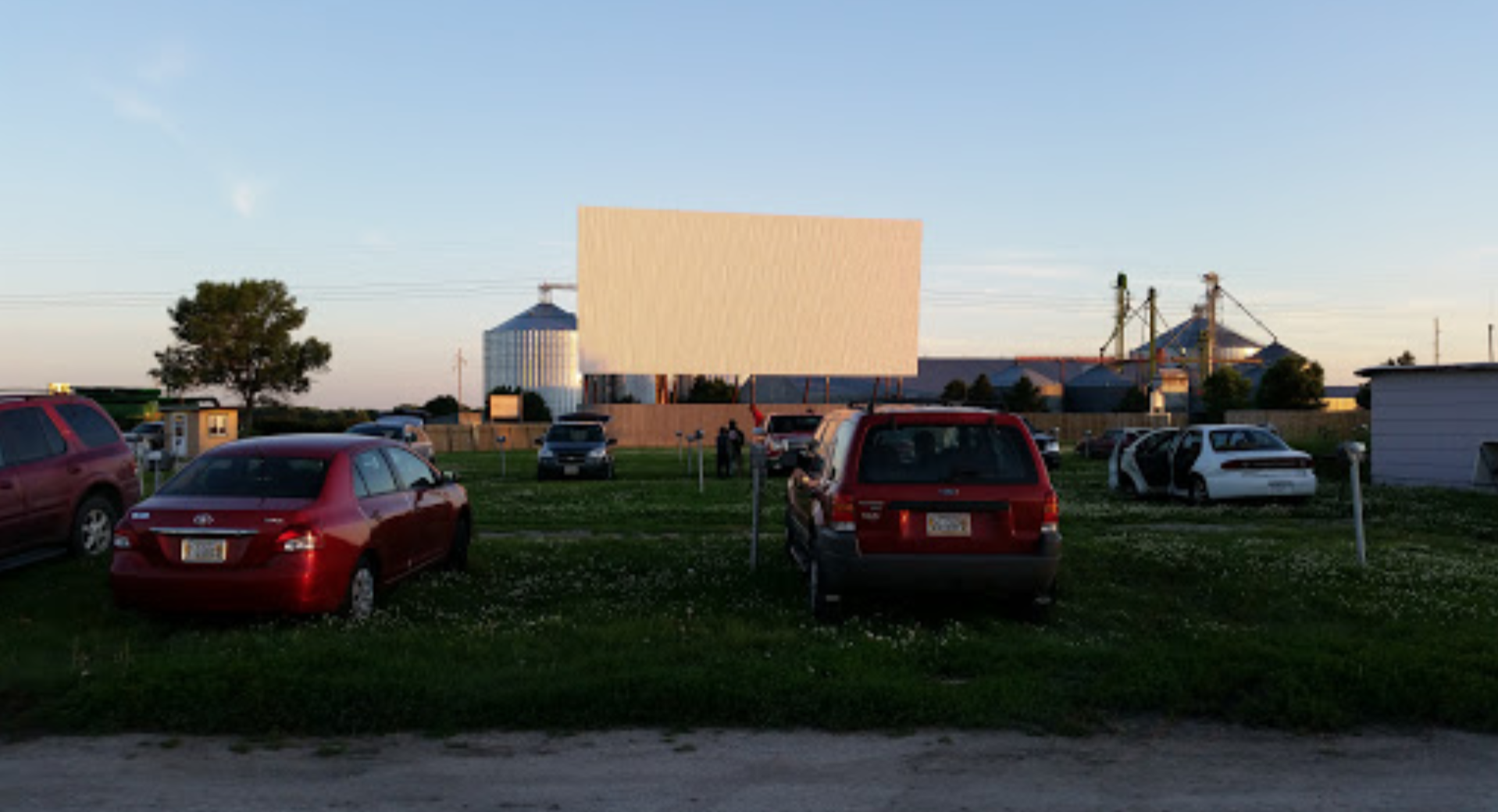 Tk Starlight Drive In Is Oldest Drive In Theater In Nebraska