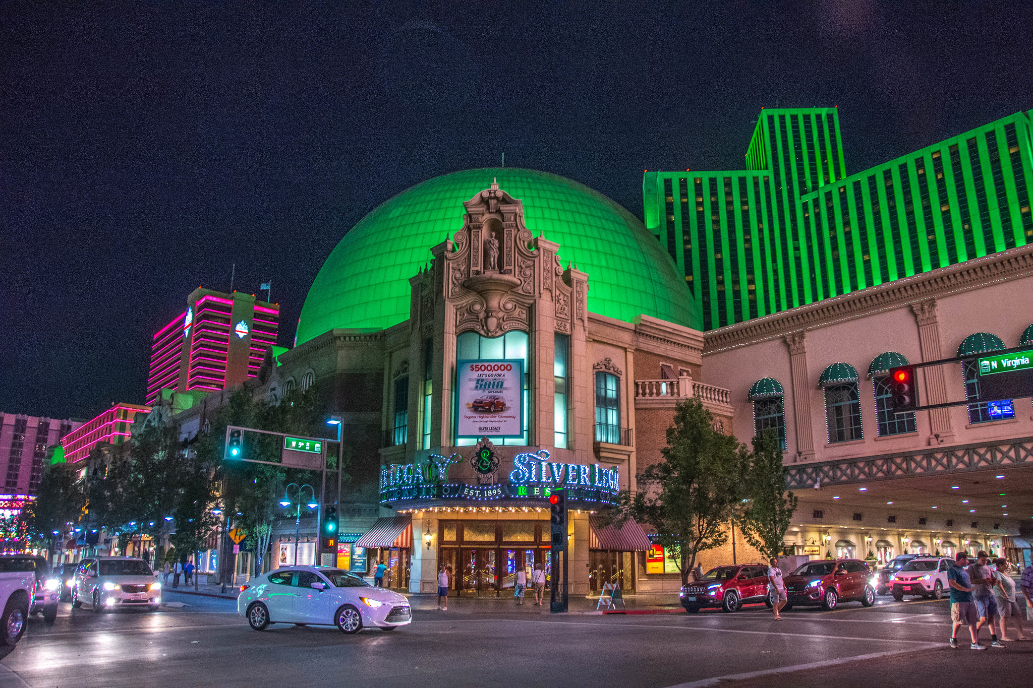 This Las Vegas Alternative Is Perfect For A Budget-Friendly Vacation