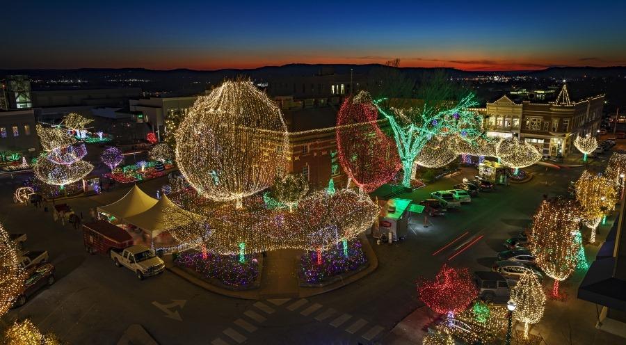 7 Drive-Thru Christmas Lights Displays In Arkansas For 2019