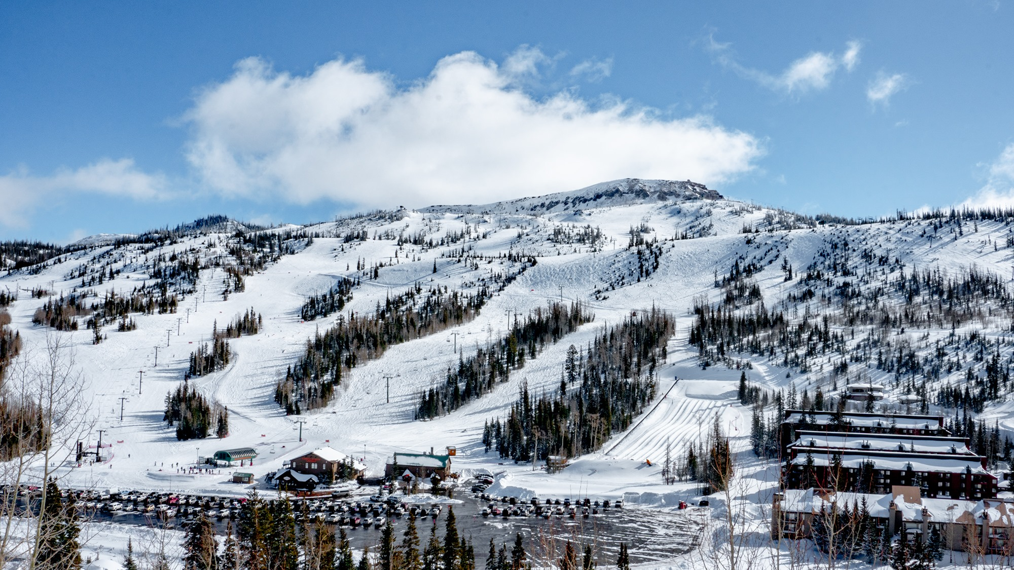 Visit These 5 Utah Ski Resorts With Affordable Lift Tickets