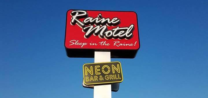 Fill Up On Delicious BBQ And Then Spend The Night At NEON Bar Grill At Raine Motel In Nebraska