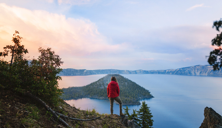These 14 Photos Of Oregon's Crater Lake Are The Next Best Thing To Being There In Person