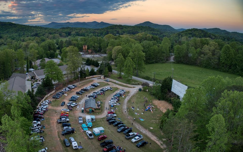 Check Out These Epic Drive In Movie Theaters In Georgia