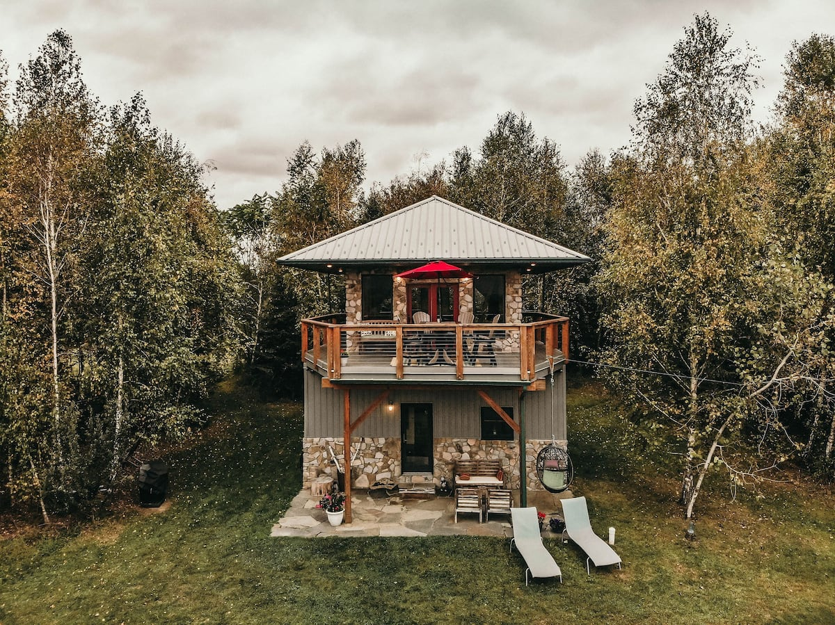 Flipboard Drink In Majestic Views At This Firetower Chalet Airbnb In Pennsylvania