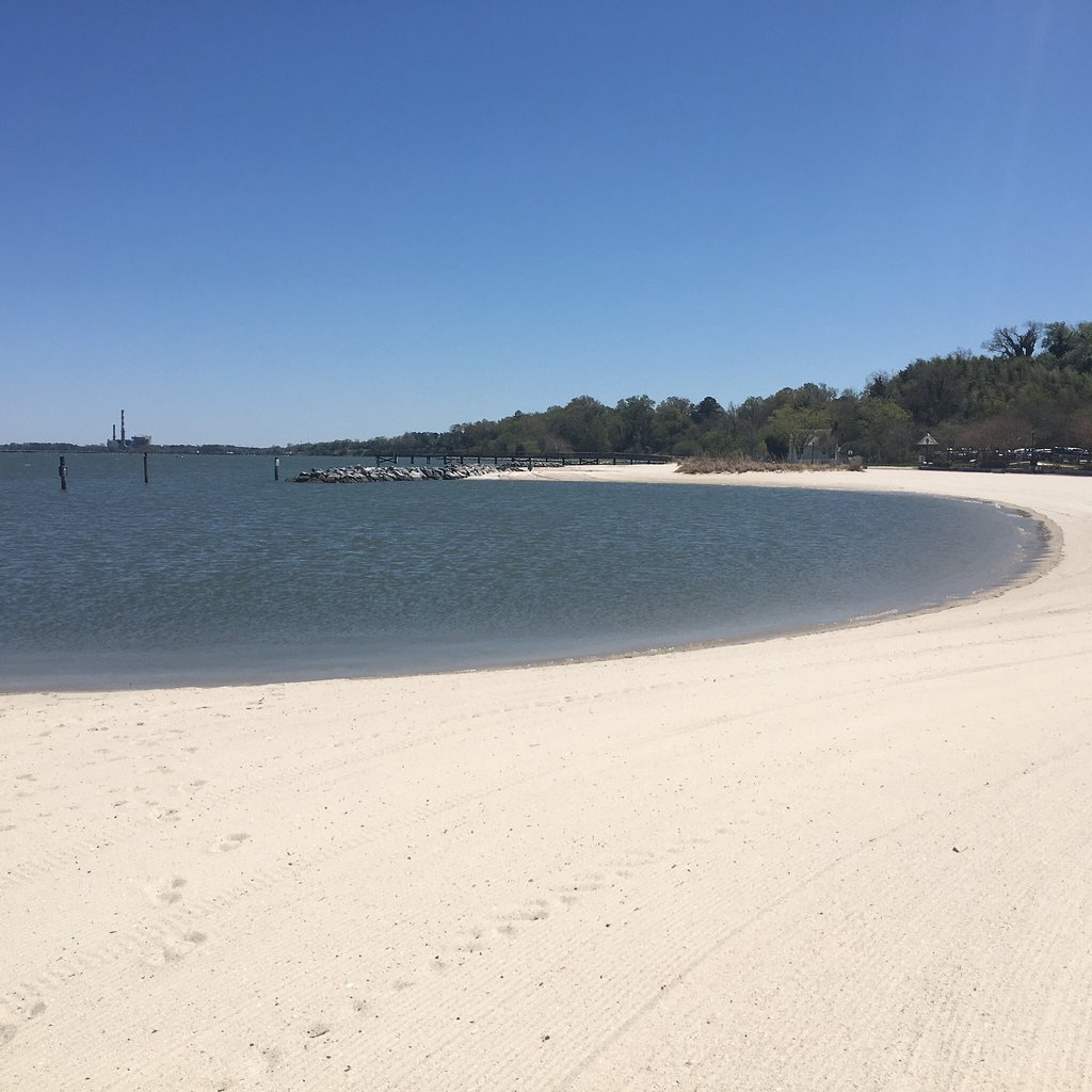 5 River, Bay, And Lake Beaches In Virginia That'll Make You Feel Like You're At The Ocean