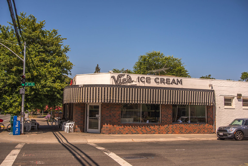 First Opened In 1947, Vic's Ice Cream In Northern California Is As Old-Fashioned As It Gets