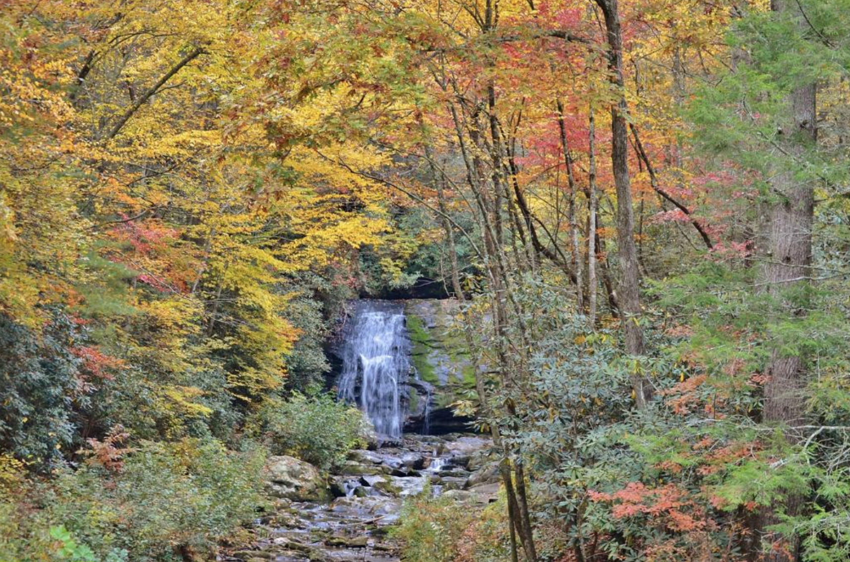 A Quick Detour Is All It Takes To Access One Of Tennessee's Most Picturesque Waterfalls
