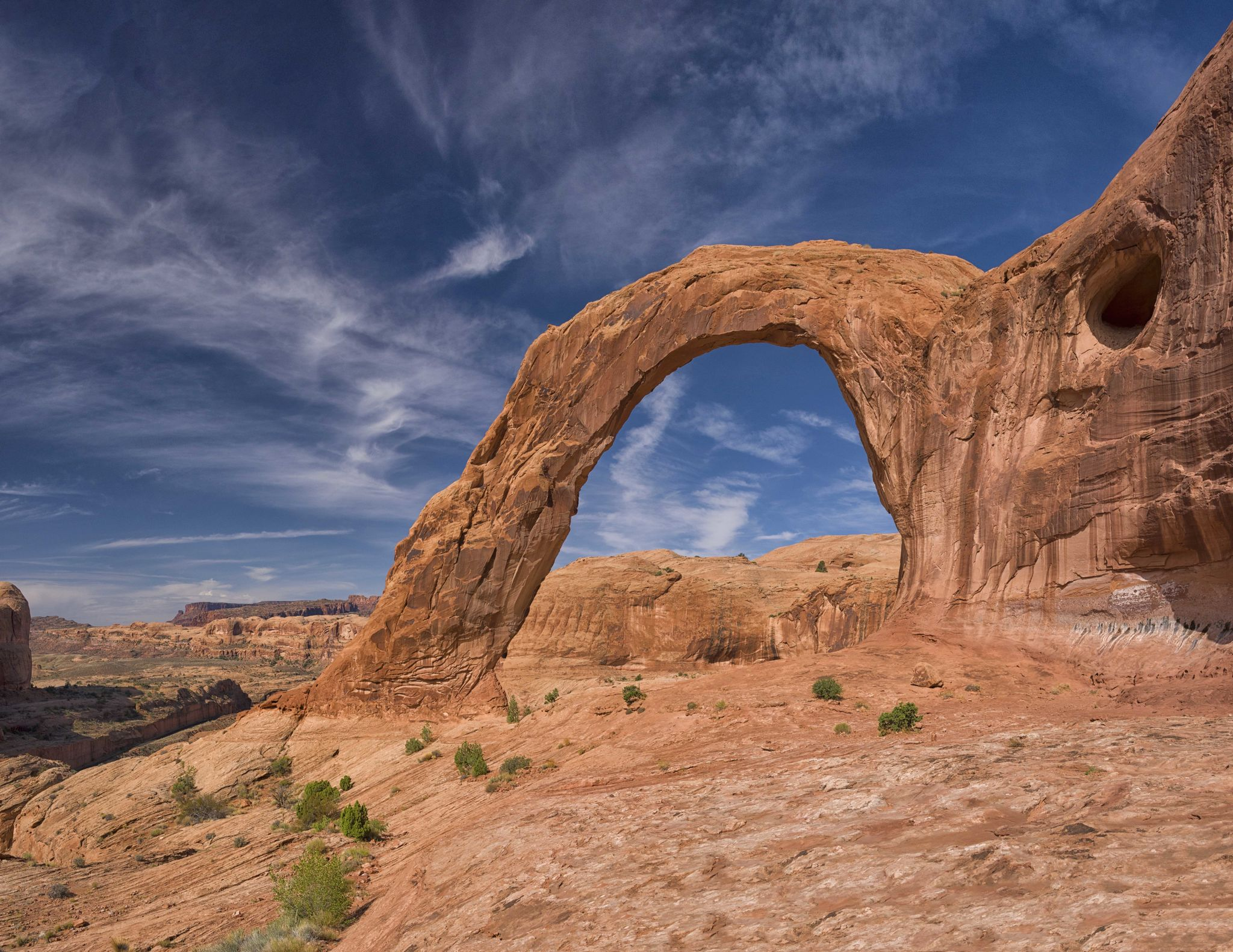 Corona And Bowtie Arch Trail Might Be One Of The Most Beautiful Short-And-Sweet Hikes To Take In Utah