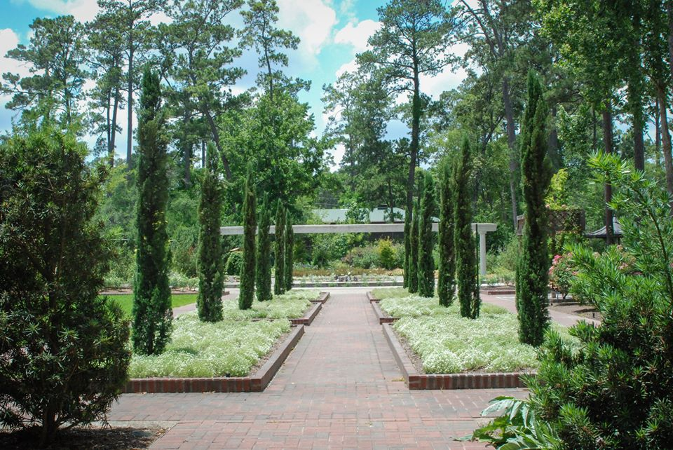 This Beautiful 400-Acre Botanical Garden In Texas Is A Sight To Be Seen