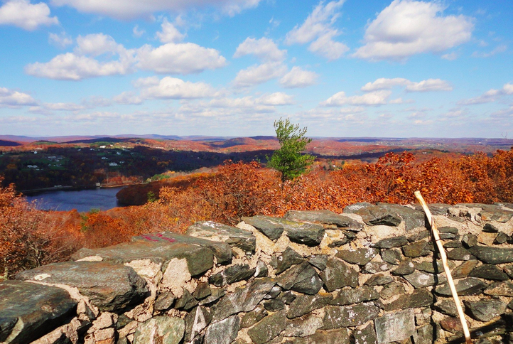 Gaze At Breathtaking Fall Foliage At Mount Tom State Park In Connecticut
