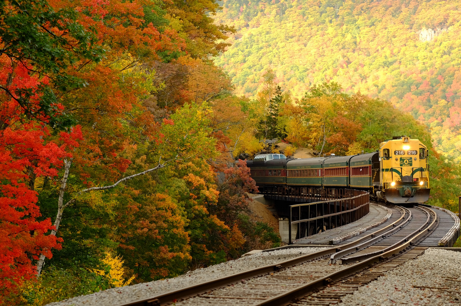 This 21-Mile Historic Train Excursion In New Hampshire Will Take You Over The River And Through The Fall Foliage