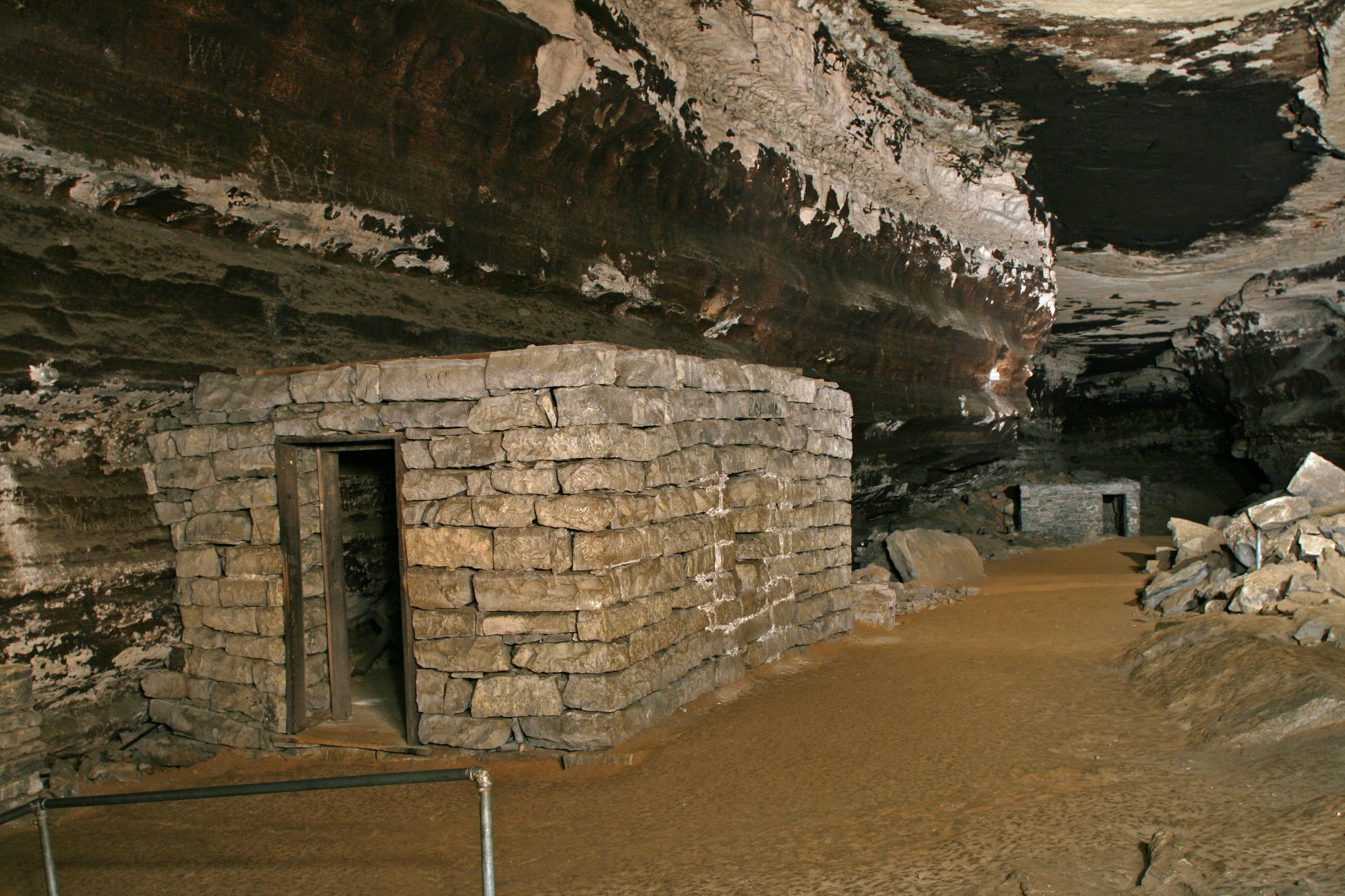 This Cave Hike In Kentucky Was Named One Of The Scariest Haunted Hiking Trails In The U.S.
