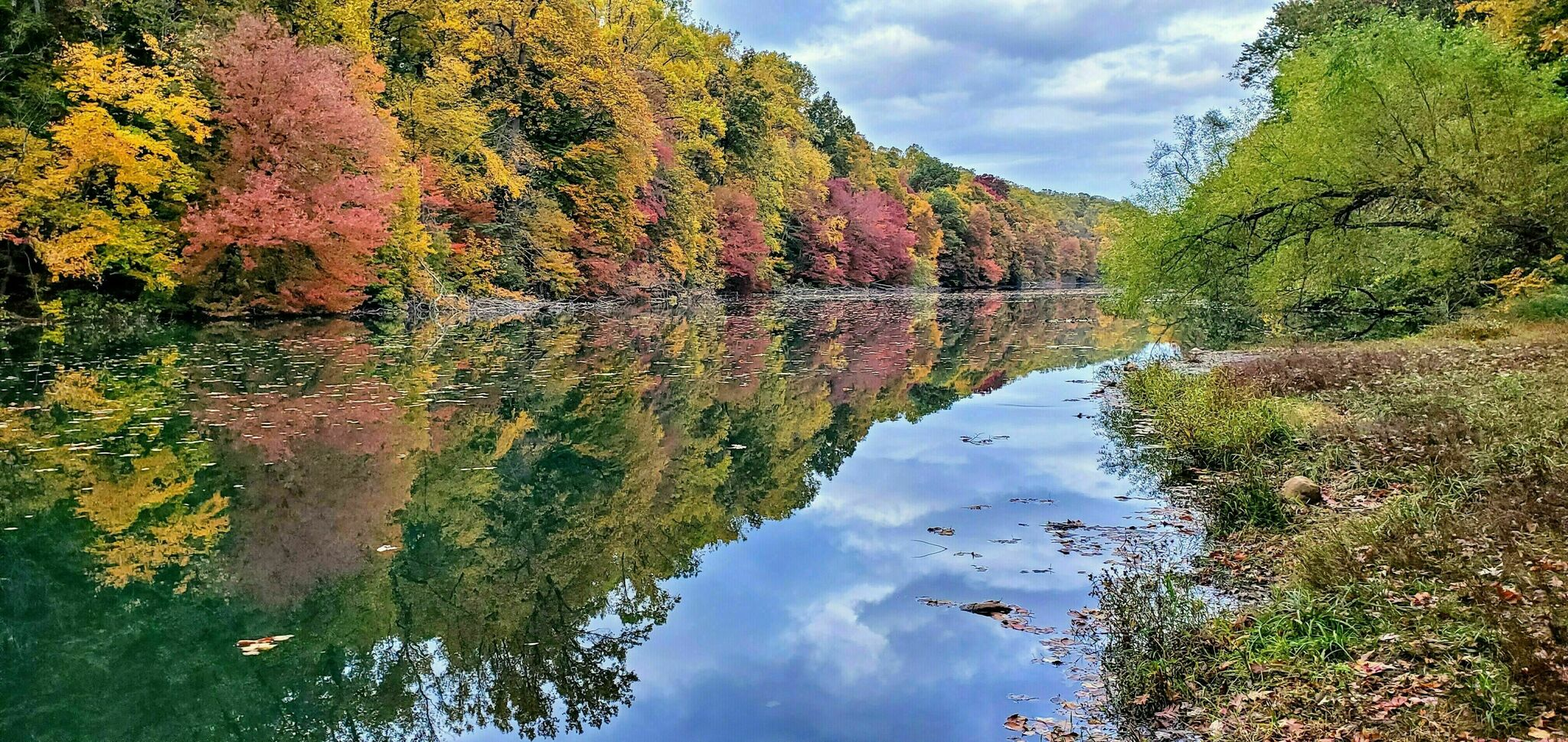 The Lake Surprise Loop Might Be One Of The Most Beautiful Short-And-Sweet Hikes To Take In New Jersey