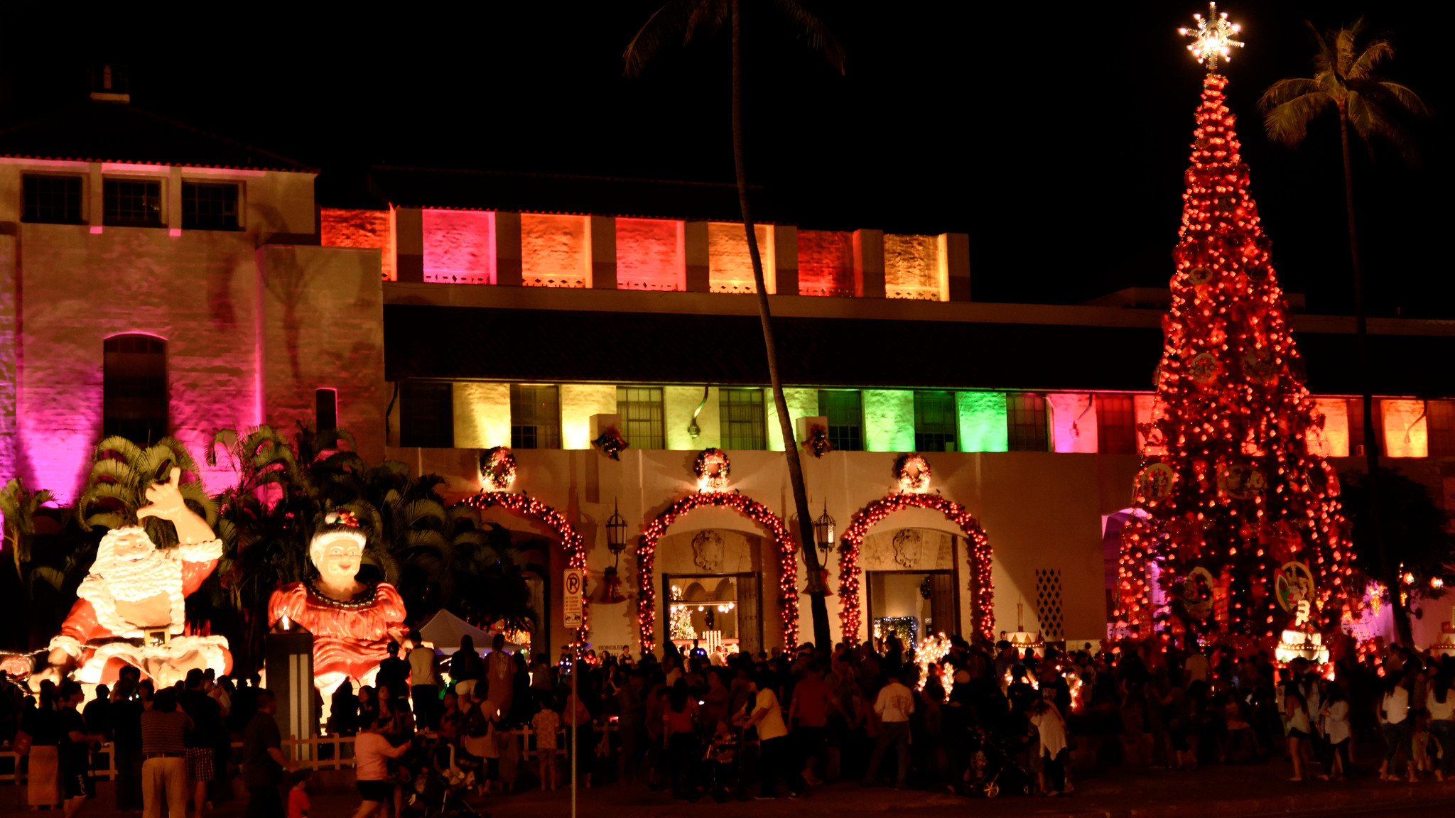 Drive Past Thousands Of Lights At Honolulu City Lights In Hawaii This Year