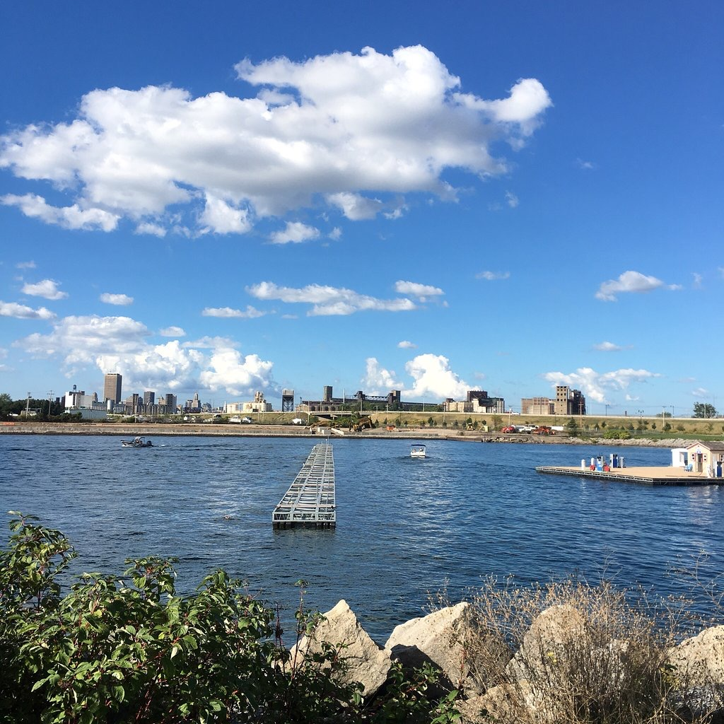 Now Is The Time To Visit New York's Buffalo Harbor State Park And Here's Why