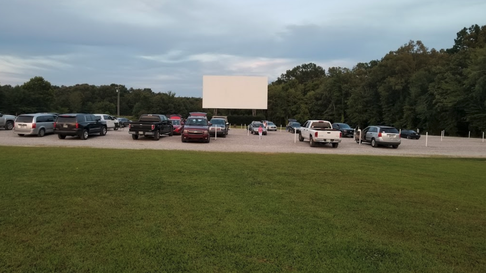 Escape The City With A Date Night To The Montana Drive-In Theater Just A Short Drive From Nashville