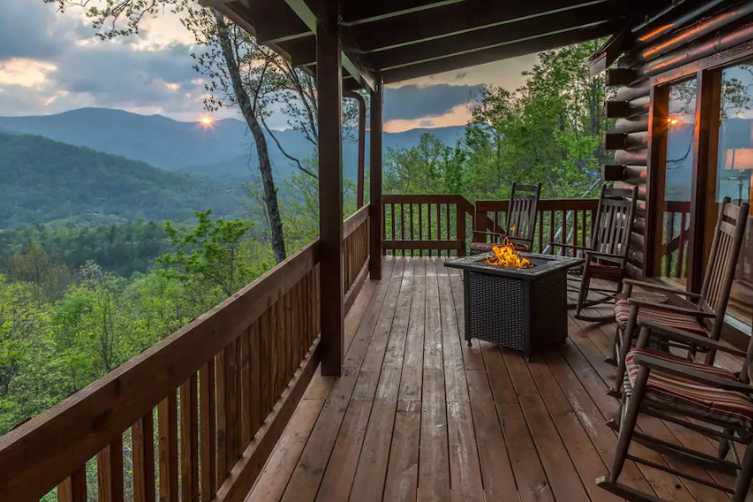 The Views From This Rustic Log Cabin In North Carolina Are The Definition Of Stunning