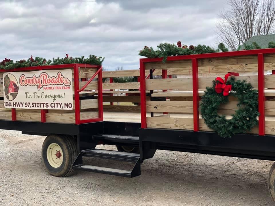 Celebrate Christmas On The Farm At Country Roads Family Fun Farm In Missouri