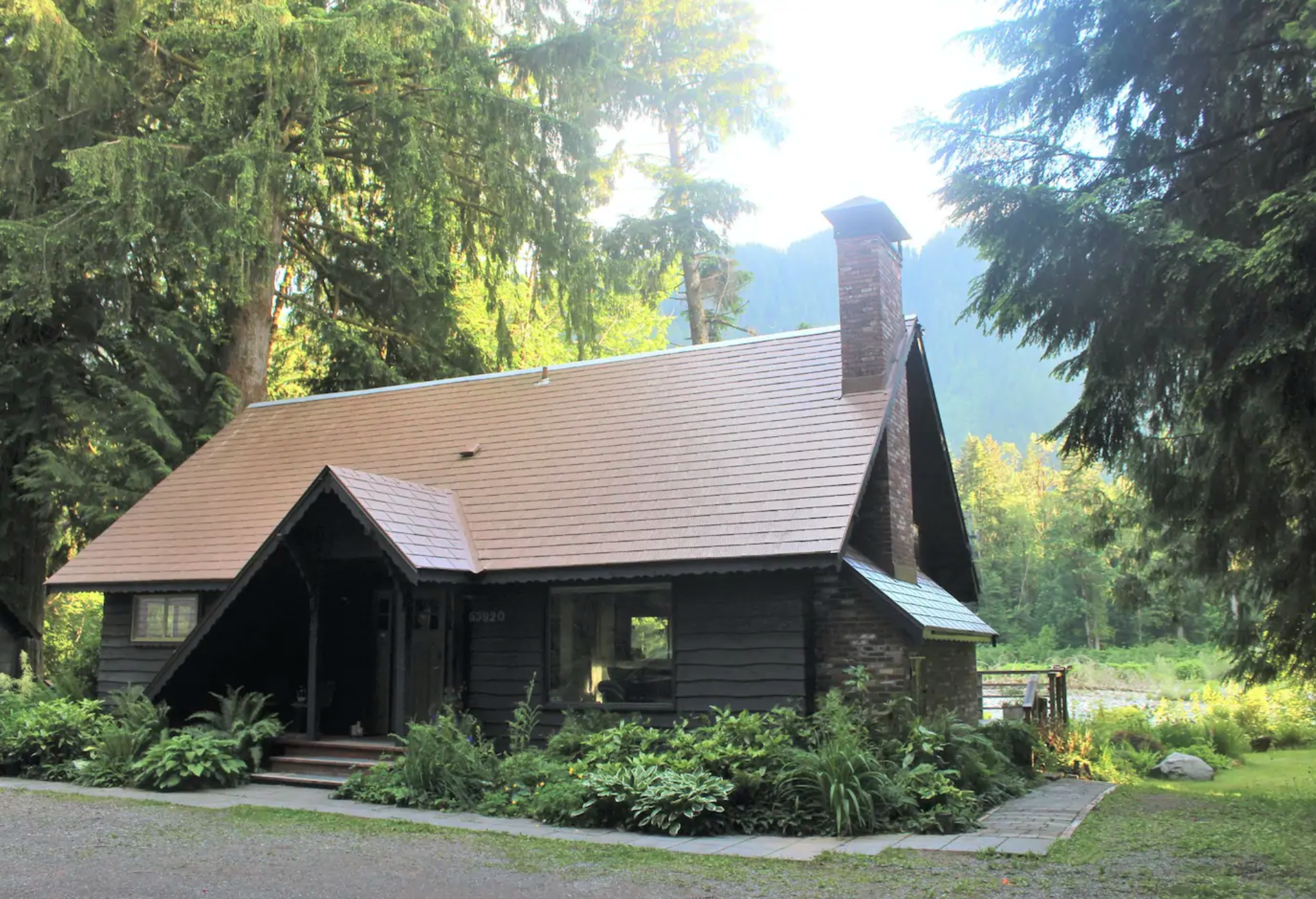 Enjoy Seclusion And Solitude At This Luxurious Riverfront Cabin In Washington